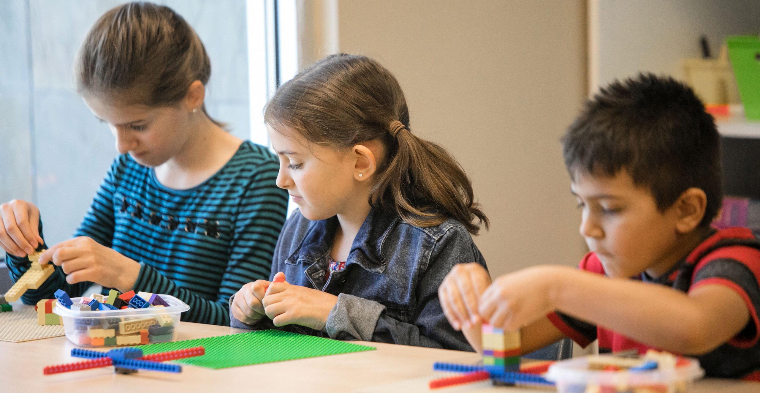 Horizon Charter Schools students participate in LEGO Engineering class