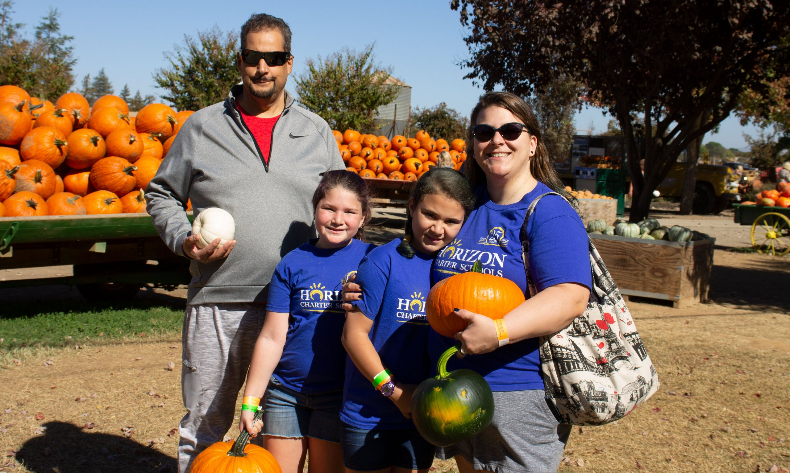 A Horizon Charter Schools family during a field trip